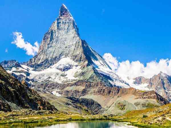 Nằm mơ thấy núi đánh con gì? Mơ thấy núi có ý nghĩa gì?