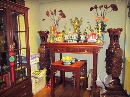 Nằm mơ thấy bàn thờ Phật, Ông Địa đánh con gì